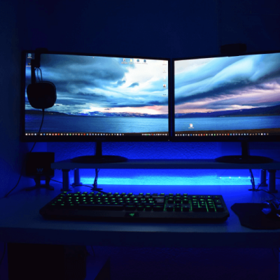 Different Backgrounds on Dual Monitors [Best Method]